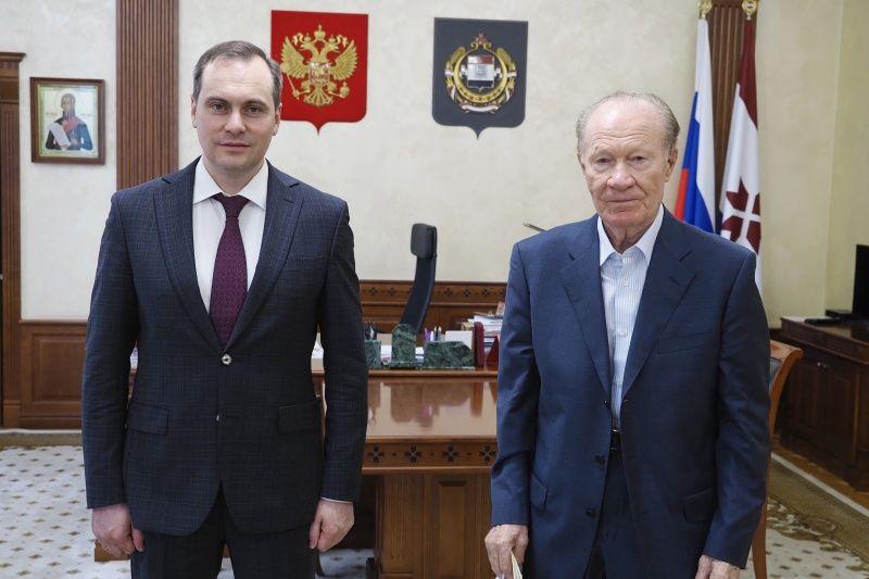 Артём Здунов встретился с председателем Консультативного совета ветеранов при Главе РМ Василием Учайкиным
